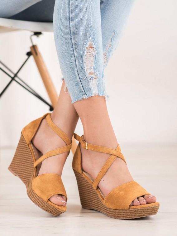 Hnedé semišové topánky na kline