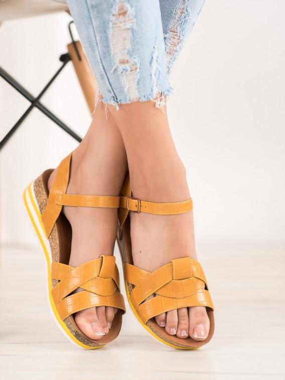 Žlté sandálky z eko kože