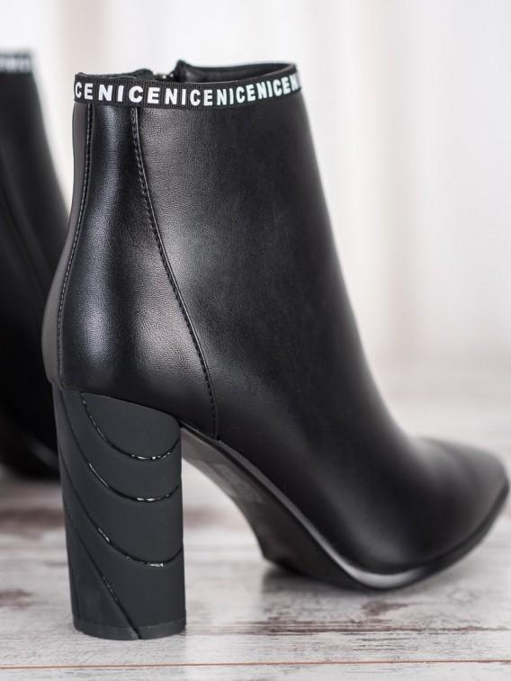 Členkové topánky na ozdobnom podpätku