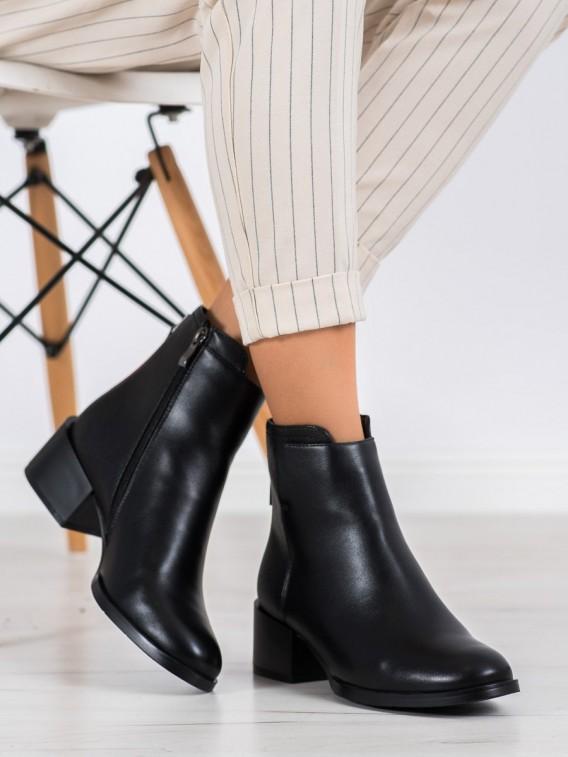 Pohodlné šedé členkové topánky