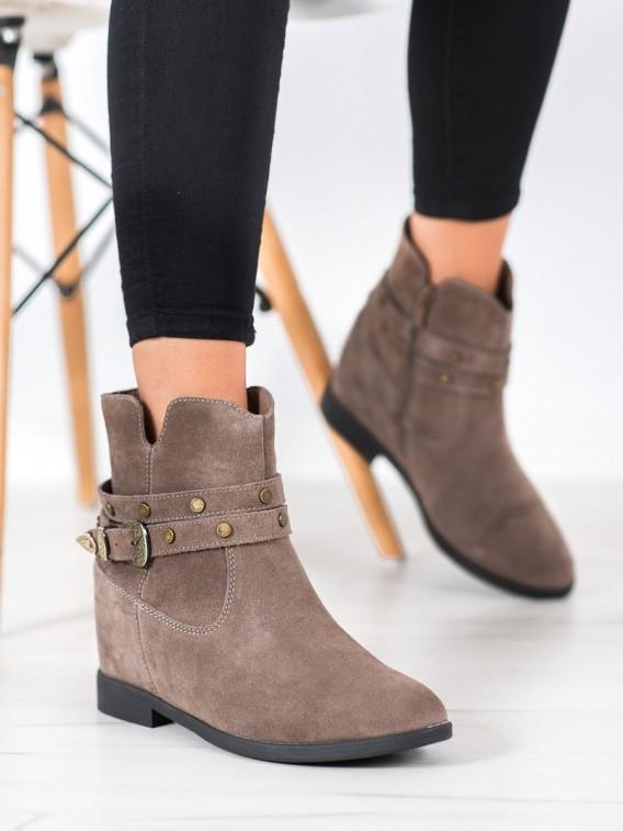 Zdobené kožené členkové topánky