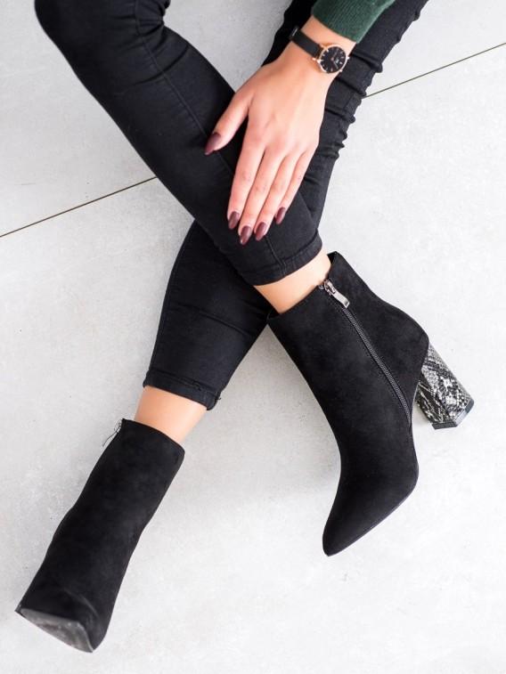 Členkové topánky na podpätku s hadím vzorom