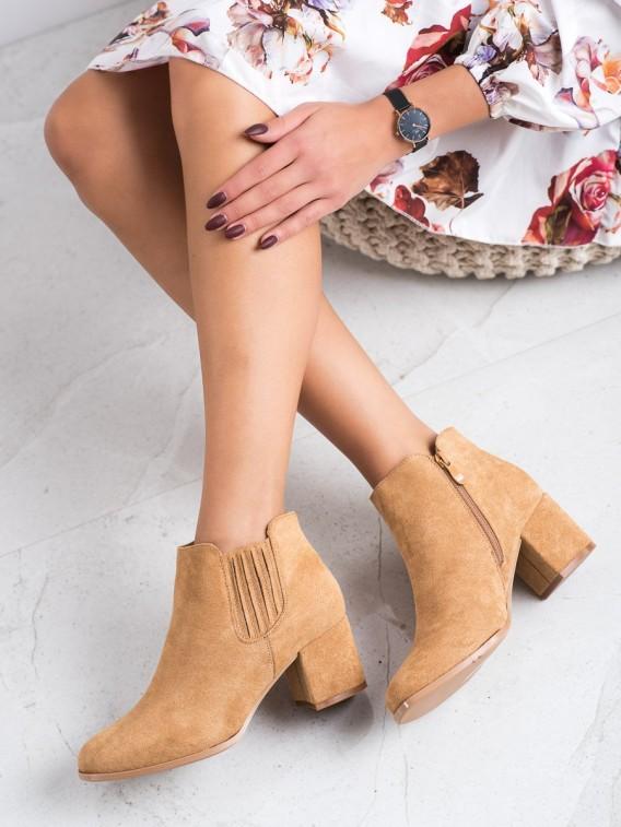 Nízke semišové členkové topánky