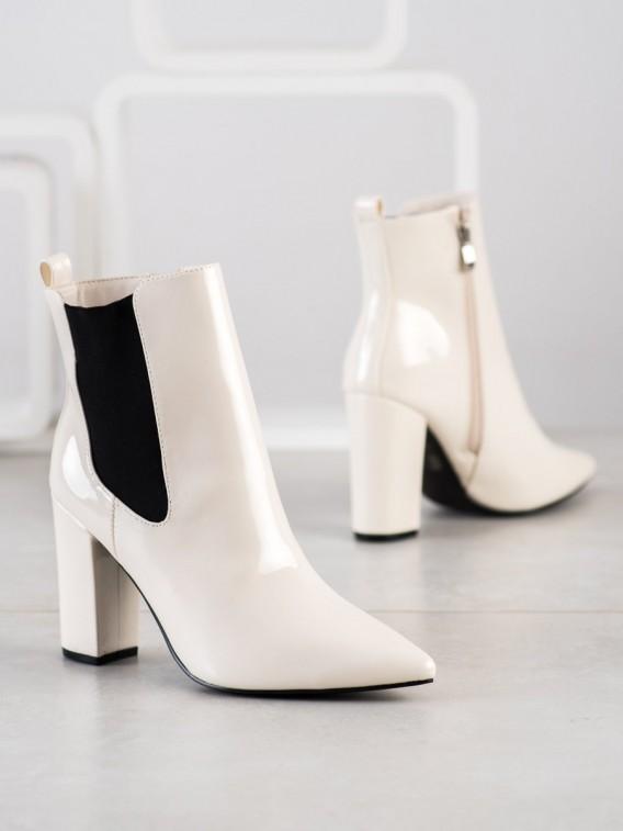 Lakované členkové topánky do špičky