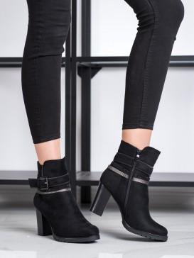 Elegantné členkové topánky zo semišu