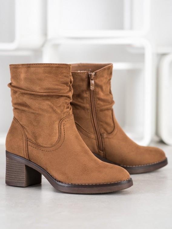 Pohodlné neformálne členkové topánky