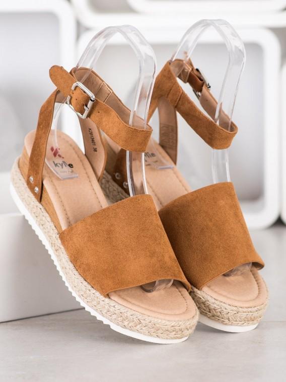 Hnedé sandálky na kline