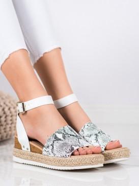 Sandálky na kline s hadím vzorom