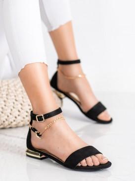 Sandálky s ozdobnou retiazkou