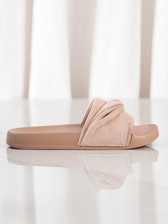 Pohodlné semišové šľapky Vinceza