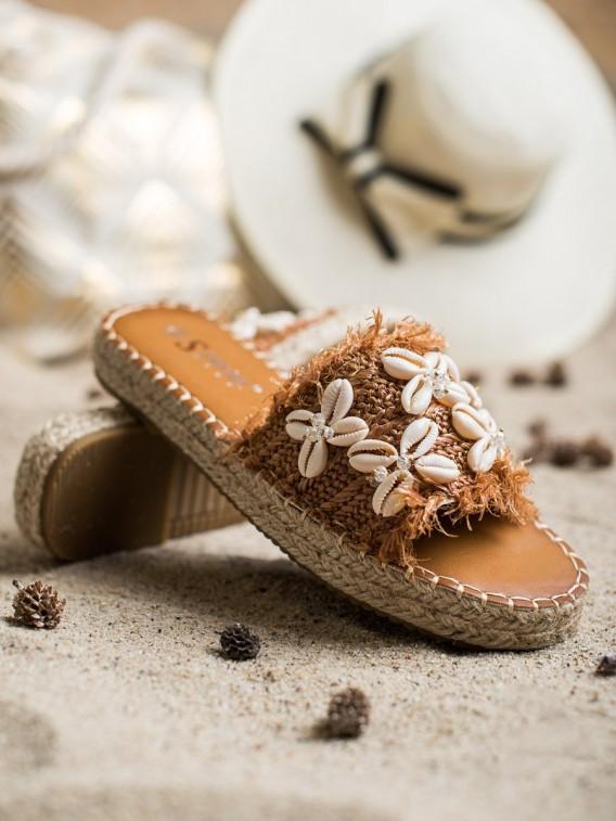 Pletené sandálky s muštalmi