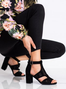 Dierkované sandálky