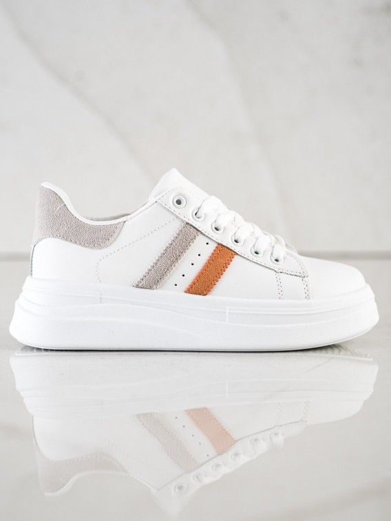 Sneakersy so semišovými detialami