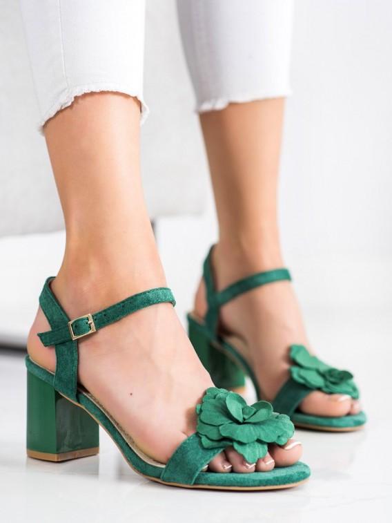Sandálky s kvetmi