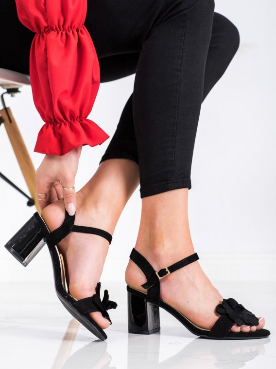 Sandále s kvietinkami