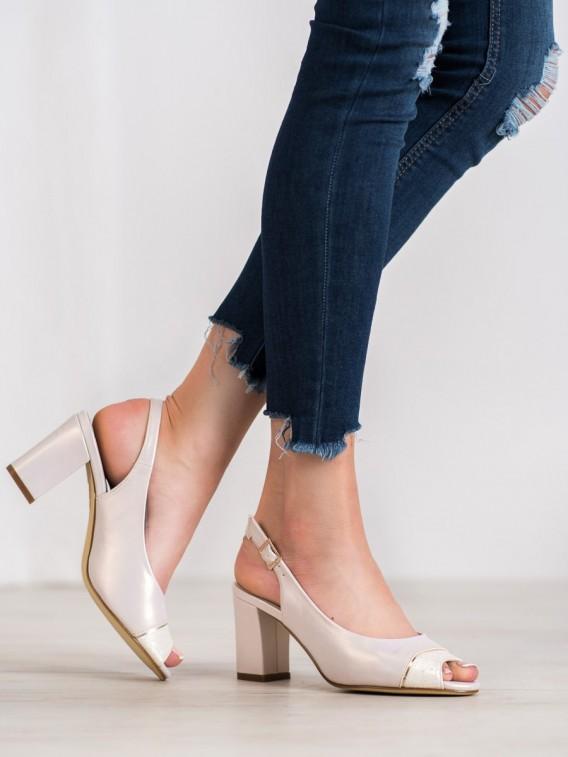 Sandálky s otvorenou špičkou