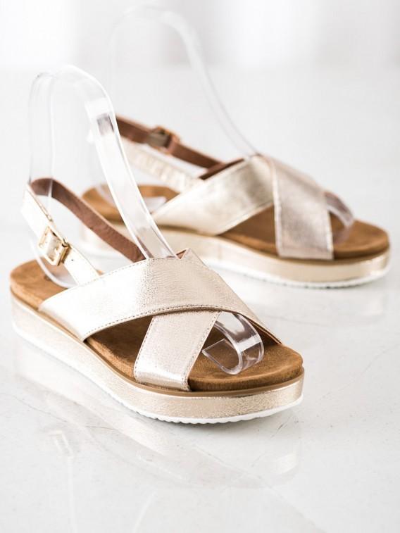 Zlaté sandálky na platforme
