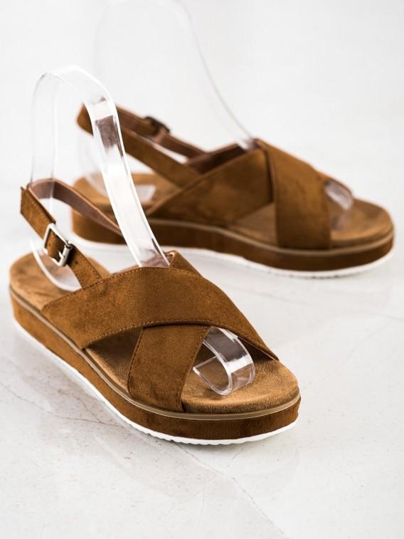 Hnedé sandálky na platforme