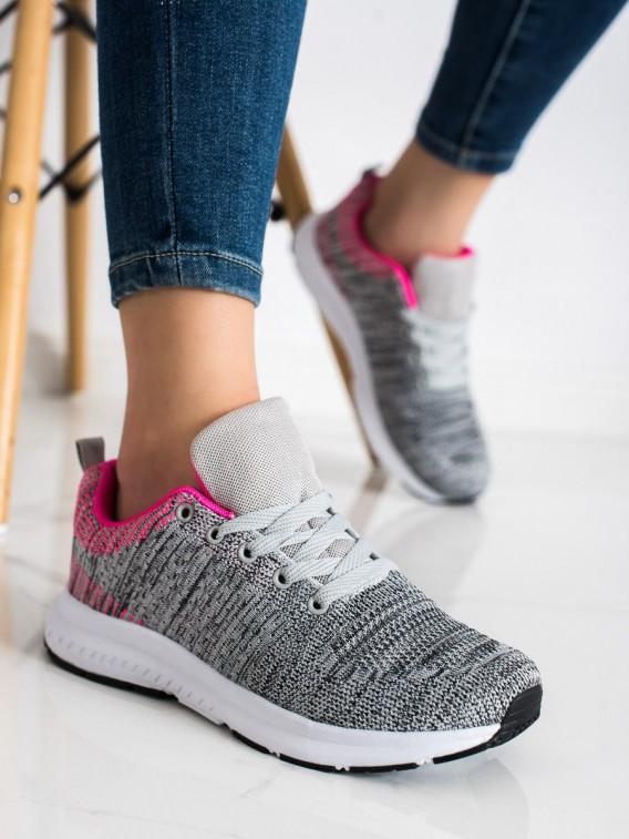Ľahké šedé sneakersy
