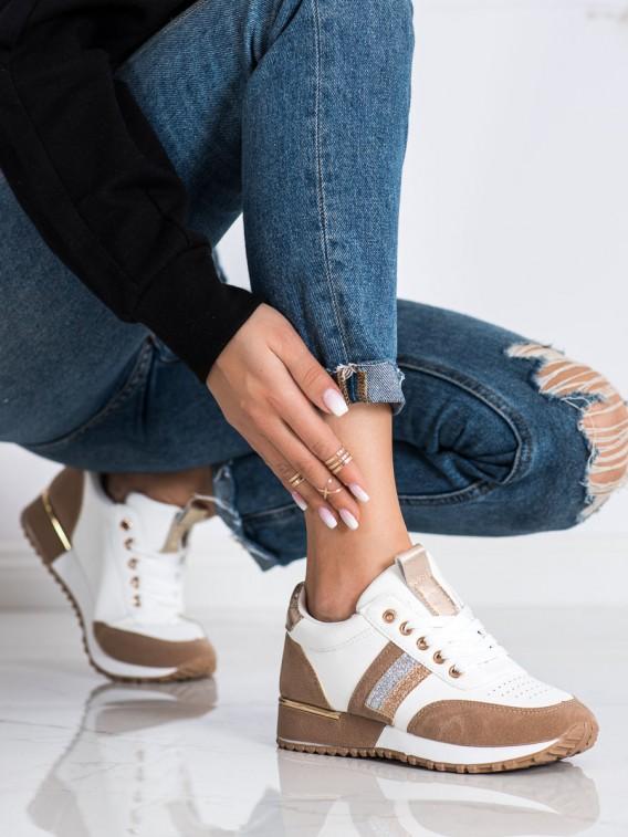 Sneakersy so semišovou vložkou