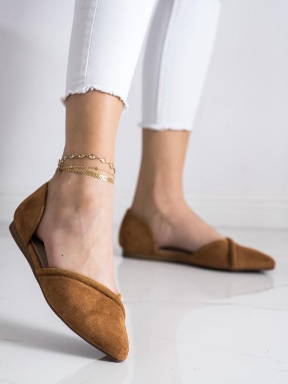 Vykrojené semišové baleríny