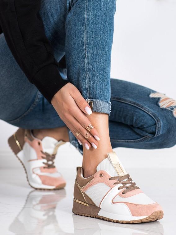 Štýlové farebné sneakersy