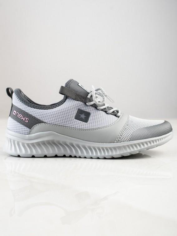 Ľahké športové sneakersy