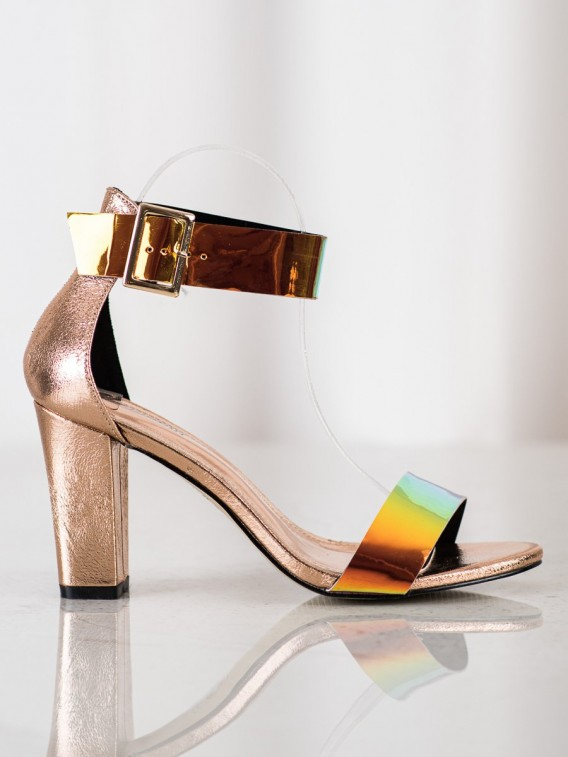 Sandálky na stĺpci s holo efektom