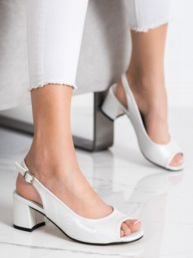Sandále s bielymi odleskami