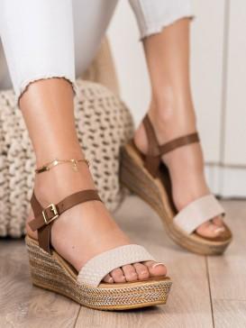 Módne sandálky na kline