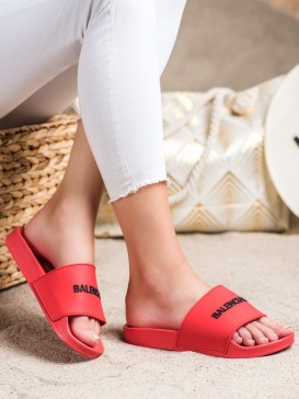 Klasické červené šľapky