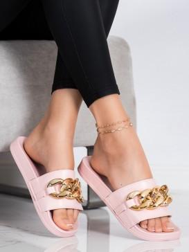 Ružové šľapky s ozdobou