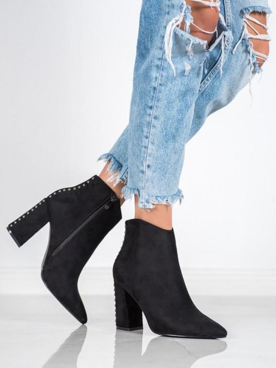 Sexy topánky s cvokmi