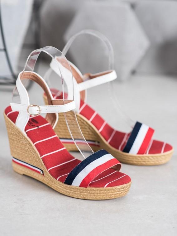 Sandálky s farebnými prúžkami