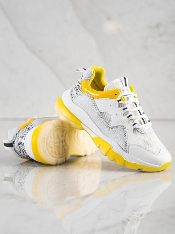 Tenisky na žltej platforme