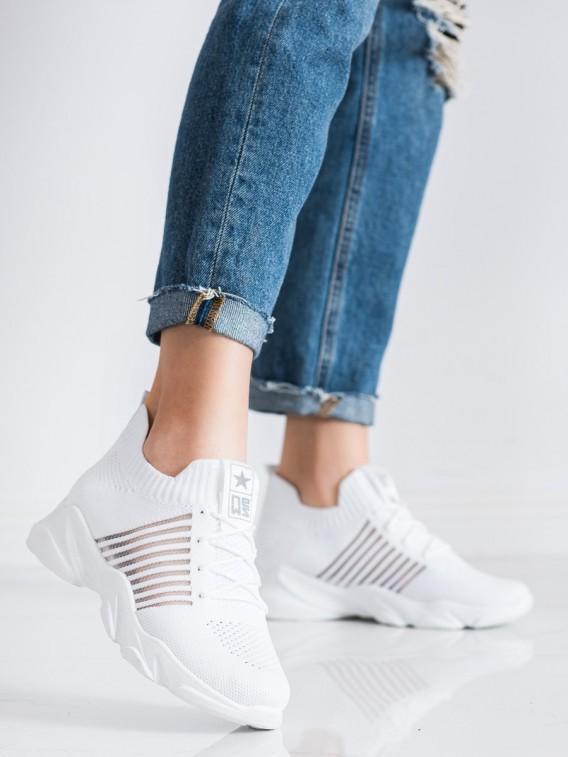 Ľahké biele športové topánky