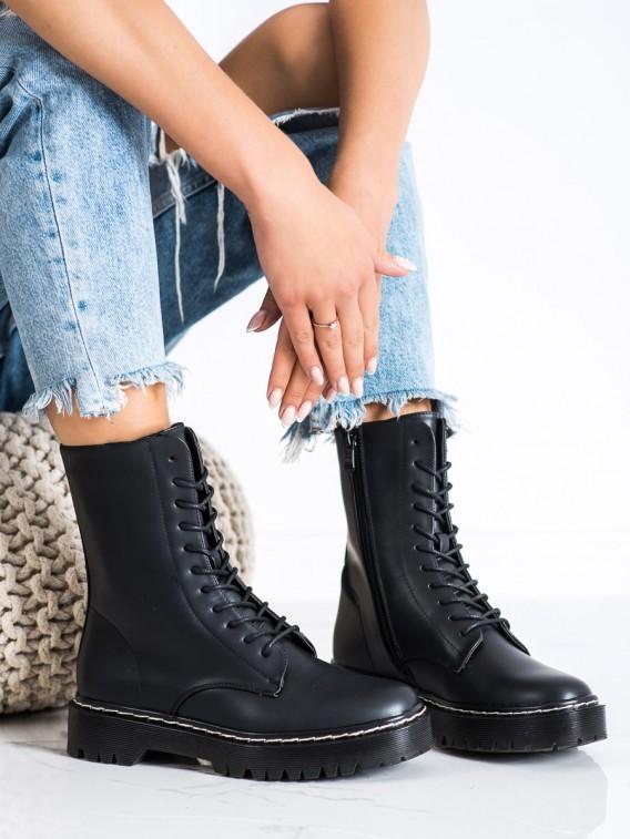 Topánky na šnúrovanie