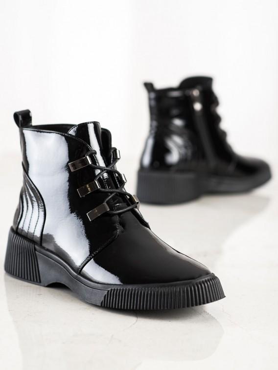 Lakované kotníkové topánky na platforme