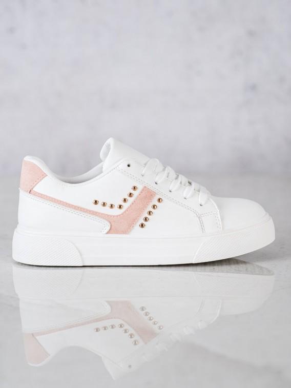 Neformálne biele športové topánky
