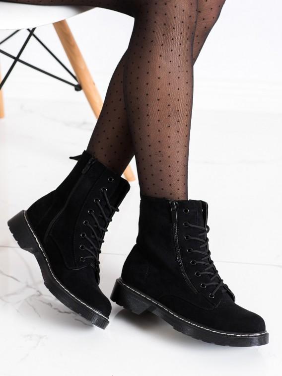 Čierne traperky s ozdobným zipsom